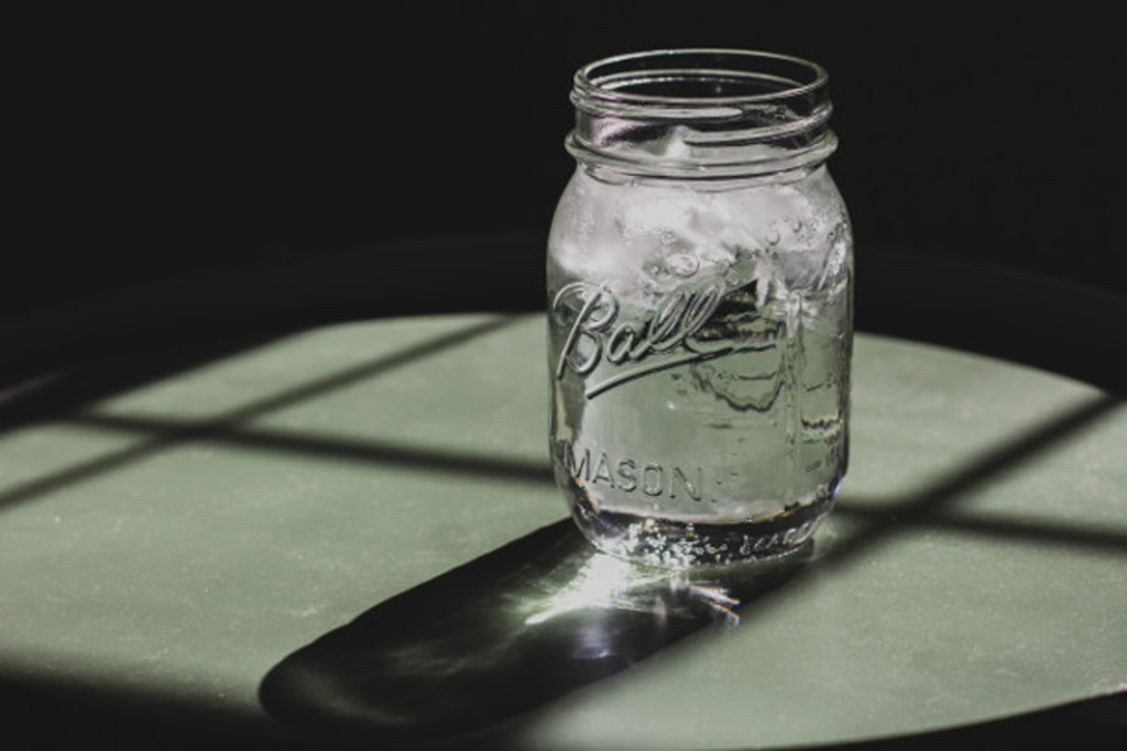 jar with water and ice